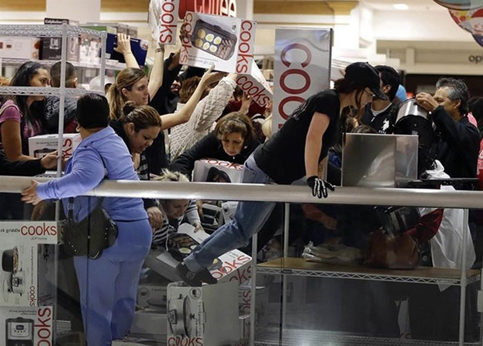 zombies_come_black_friday_10